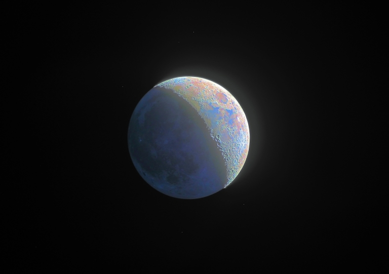 LPOD_HDR_Moon_in_colors_Max_small