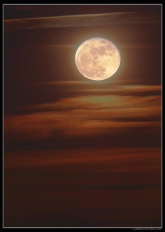 Moon Rise HDR.jpg